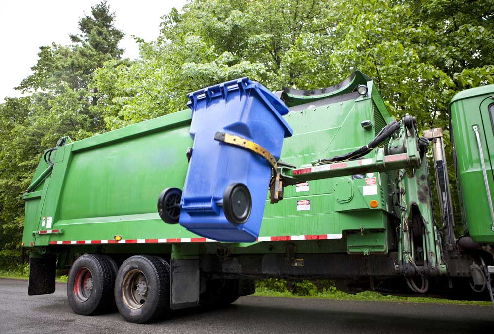 Garbage Man Makes a 3-year-old's Birthday Special