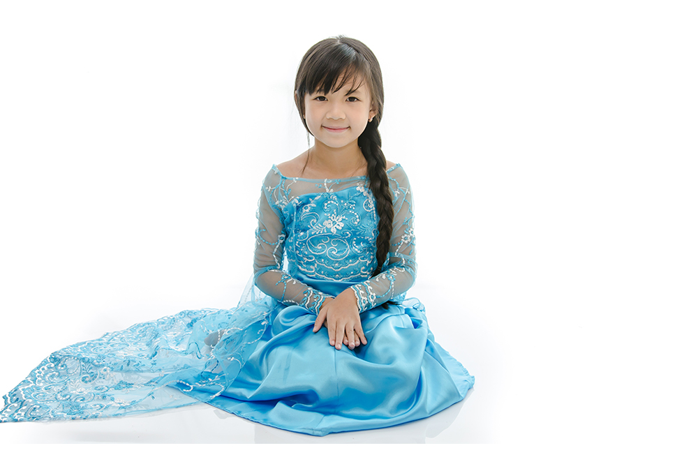 Make the Ultimate Frozen Birthday Party