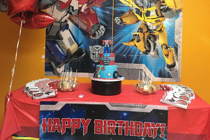 Transformers, superheros and more! Have an awesome hero party at BounceU.