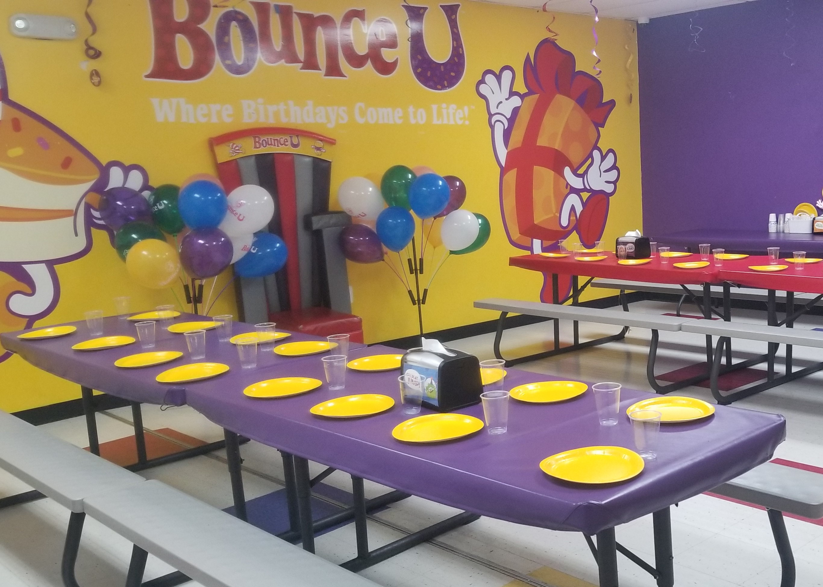 BounceU Rockville party room and decorations.